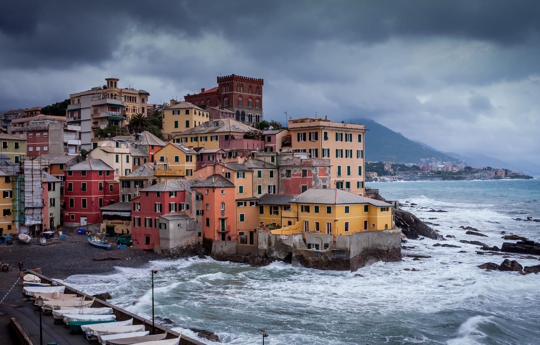 Фото обои море, горы, тучи, шторм, город, дома, лодки, Италия, Генуя, Боккадассе, Boccadasse