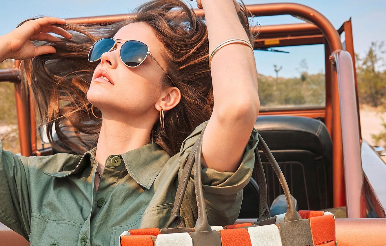 Фото обои авто, девушка, украшения, поза, модель, волосы, очки, шатенка, Barbara Palvin