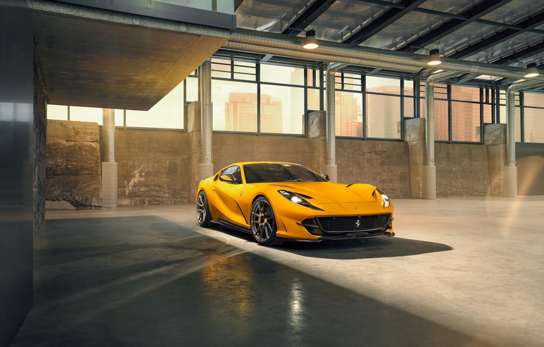 Фото обои машина, свет, жёлтый, фары, окна, ангар, Ferrari, диски, стильный, спортивный, Superfast, 812, by Novitec