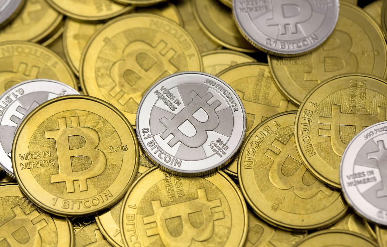 Фото обои размытие, лого, logo, монеты, coins, bitcoin, биткоин