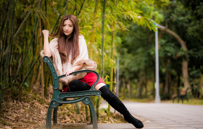 Фото обои взгляд, парк, волосы, азиатка, скамья