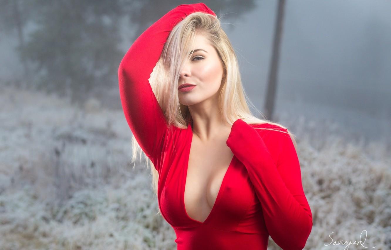 Фото обои грудь, модель, Красный, Девушка, прическа, блондинка, красотка, no bra, curvy, Nicolai Saxegaard, Мишель Вик
