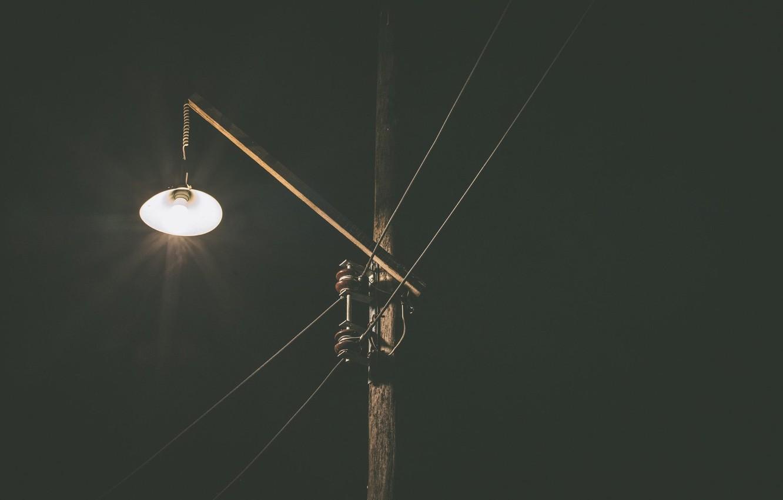 Фото обои ночь, провода, столб, фонарь