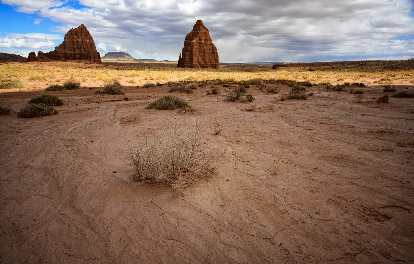 Фото обои desert, Capitol Reef National Park, Temples, Cathedral Valley