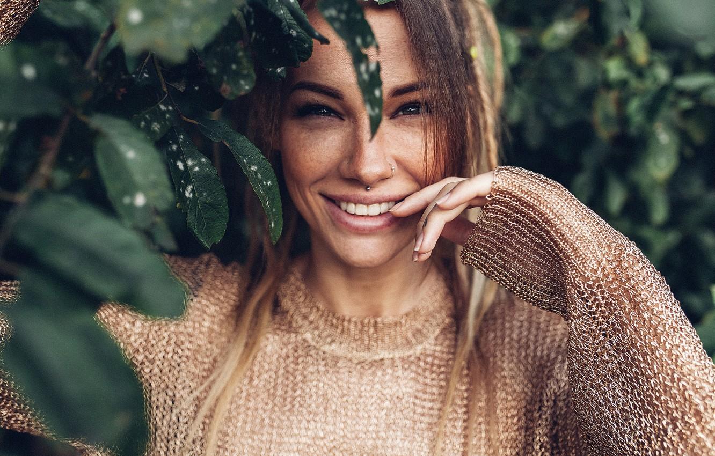 Фото обои глаза, взгляд, улыбка, Девушка, веснушки, Вероника Вонка, Roma Roma