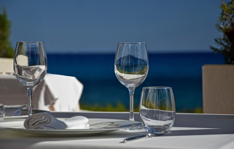 Фото обои стакан, стиль, бокалы, тарелка, салфетка, сервировка