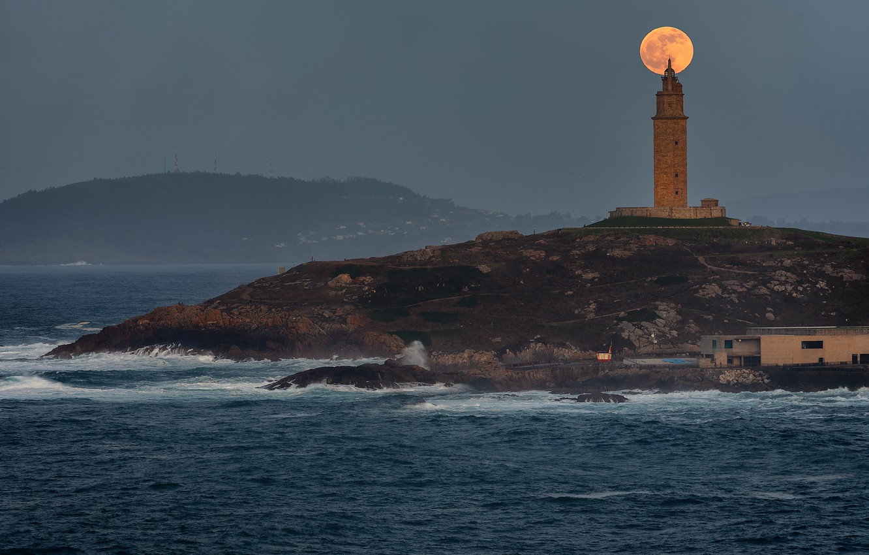Фото обои маяк, Луна, moon, lighthouse, Jose Liñeira Piñeiro