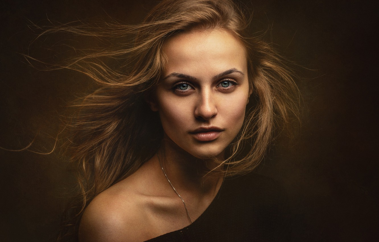 Фото обои взгляд, девушка, лицо, фон, волосы, портрет, плечо, Таня, Zachar Rise