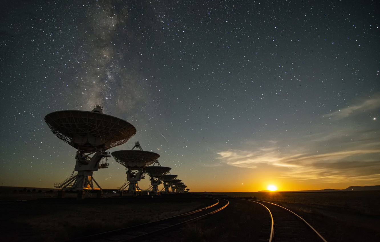 Фото обои звезды, Луна, moon, stars, радиотелескоп, radio telescope, Jeff Hellermann