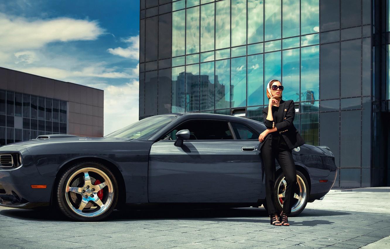 Фото обои машина, авто, девушка, поза, очки, Dodge Challenger, Владимир Набоков, Алла Колибри