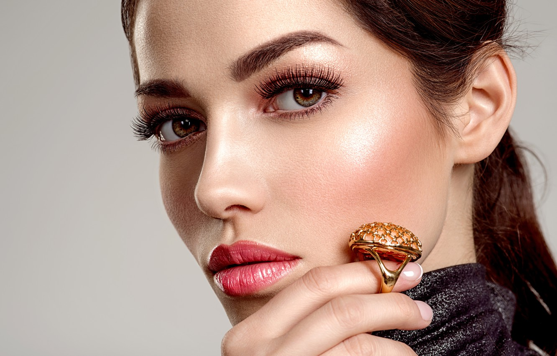 Фото обои взгляд, девушка, рука, портрет, макияж, кольцо, Valua Vitaly