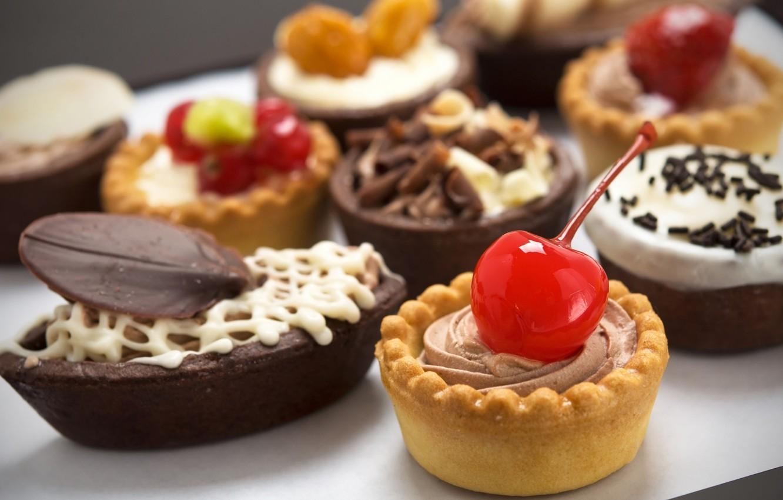 Фото обои вишня, шоколад, пирожные, ассорти