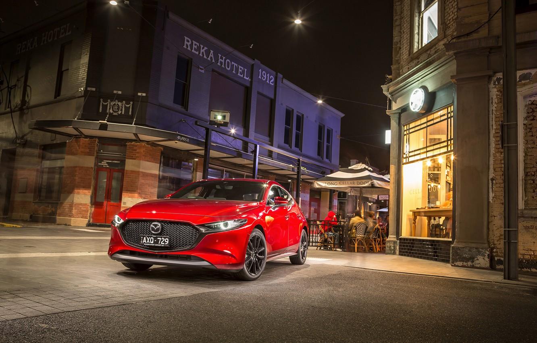 Фото обои ночь, Mazda, отель, красная, Hatchback