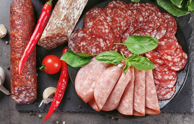 Фото обои перец, колбаса, нарезка, чеснок