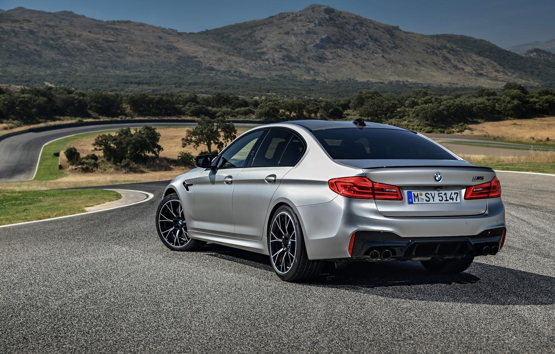 Фото обои серый, BMW, силуэт, седан, кузов, 4x4, 2018, четырёхдверный, M5, V8, F90, M5 Competition