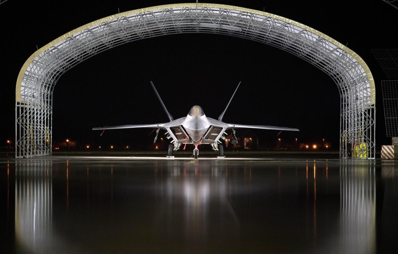Фото обои ангар, стоянка, F-22, Raptor, малозаметный, Lockheed/Boeing, многоцелевой истребитель пятого поколения