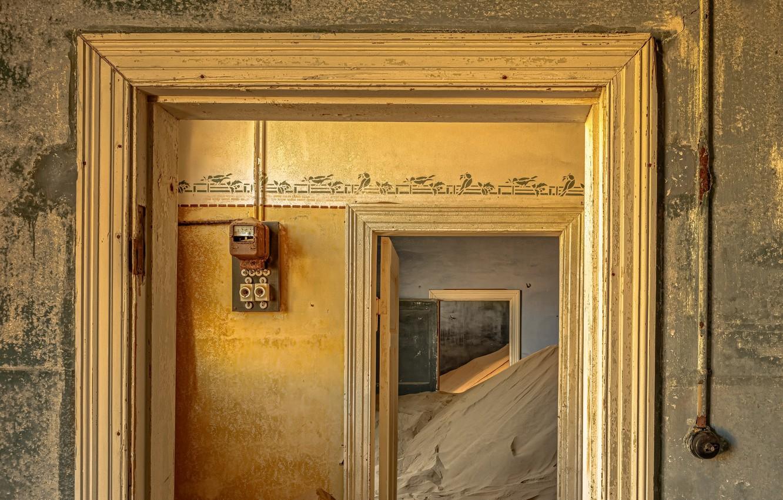 Фото обои песок, время, дом, дверь