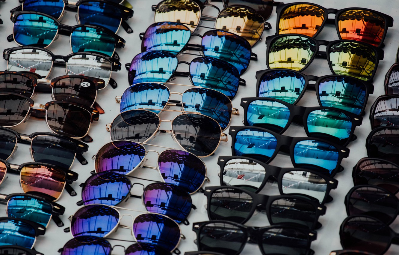 Фото обои отражение, очки, коллекция