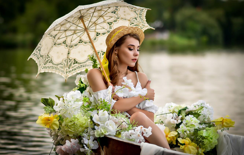 Фото обои девушка, цветы, поза, зонтик, настроение, лодка, шляпка, Анастасия Мазай (Донская)