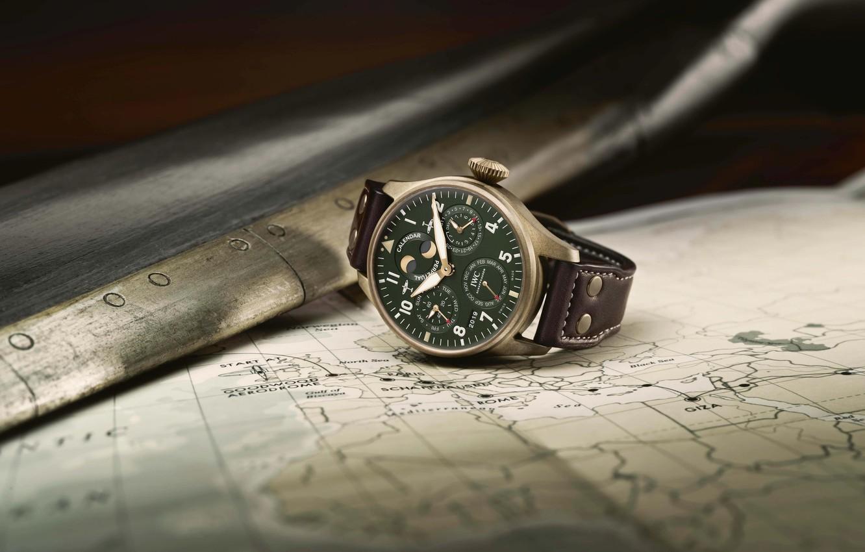 Фото обои IWC, Swiss Luxury Watches, швейцарские наручные часы класса люкс, bronze case, analog watch, International Watch …