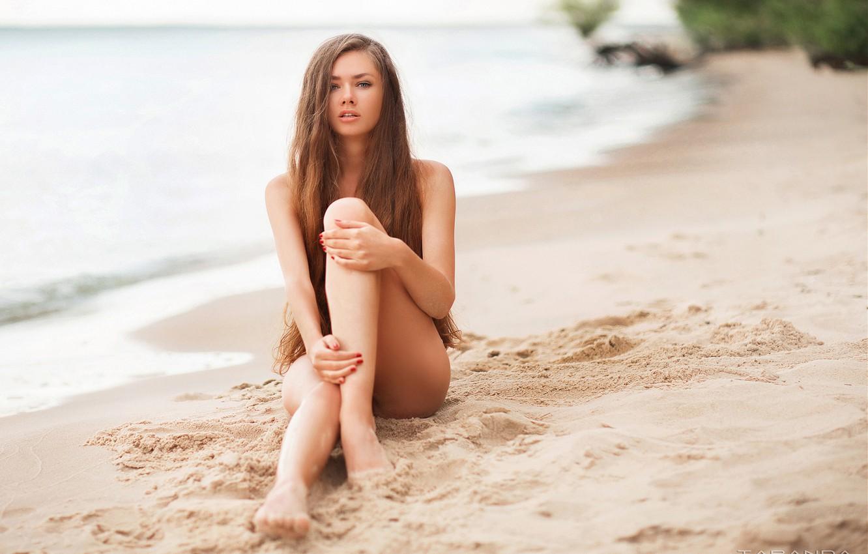 Фото обои песок, море, пляж, девушка, поза, ноги, руки, длинные волосы, Taranda, Тарас Таранда