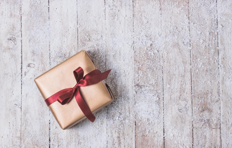 Фото обои праздник, подарок, лента, wood, Golden, gift, bow