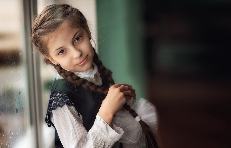 Фото обои портрет, окно, девочка