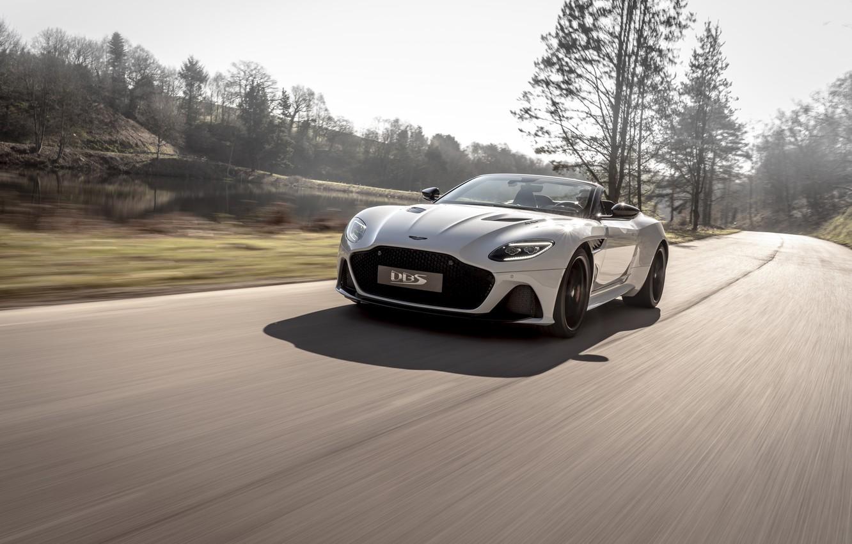 Фото обои машина, деревья, Aston Martin, DBS, Superleggera, Volante