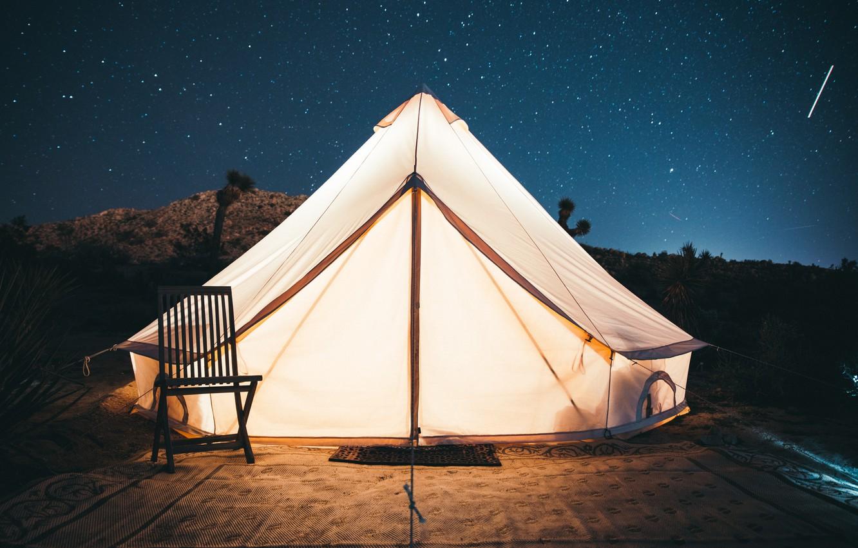 Фото обои небо, звезды, свет, стул, палатка, kal loftus