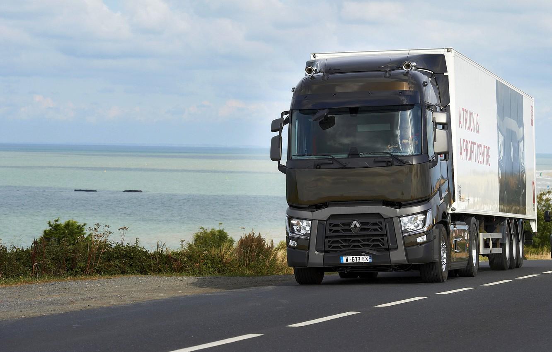 Фото обои дорога, берег, грузовик, Renault, седельный тягач, 4x2, полуприцеп, Renault Trucks, T-series