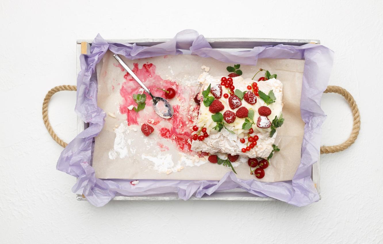 Фото обои ягоды, торт, десерт, поднос, вкусно, безе