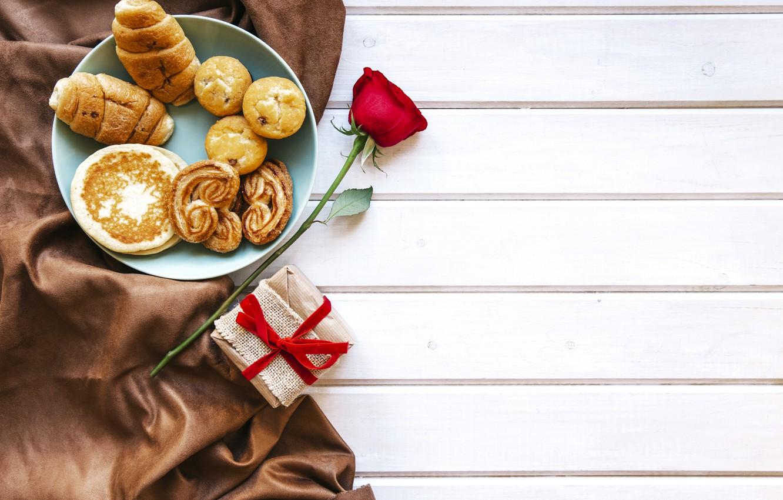Фото обои любовь, подарок, розы, завтрак, красные, red, love, heart, выпечка, romantic, valentine's day, круассаны, croissant, breakfast, …