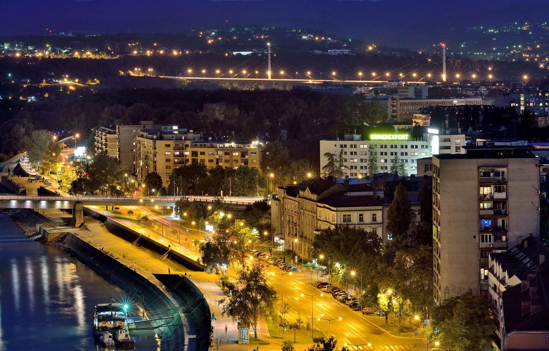 Фото обои Дома, Дорога, Ночь, Улица, Сербия, Реки, Novi Sad, Уличные фонари