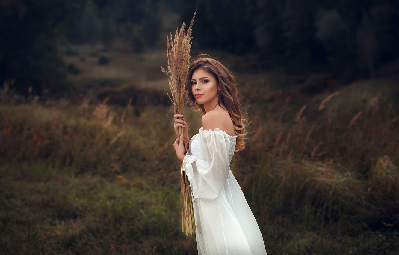 Фото обои взгляд, поза, Девушка, платье, плечи, Алексей Кишечкин