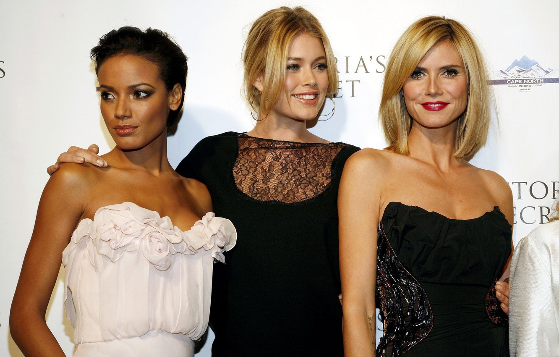Фото обои знаменитости, трио, актрисы