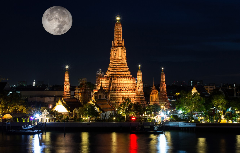 Фото обои ночь, огни, луна, Таиланд, храм, Бангкок, Wat Arun