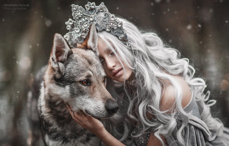 Фото обои девушка, стиль, настроение, собака, длинные волосы, царевна, Marketa Novak, Tamara Vaňousová