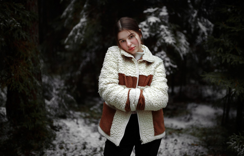 Фото обои девушка, снег, поза, брюнетка, куртка, Hromenkov Kostya