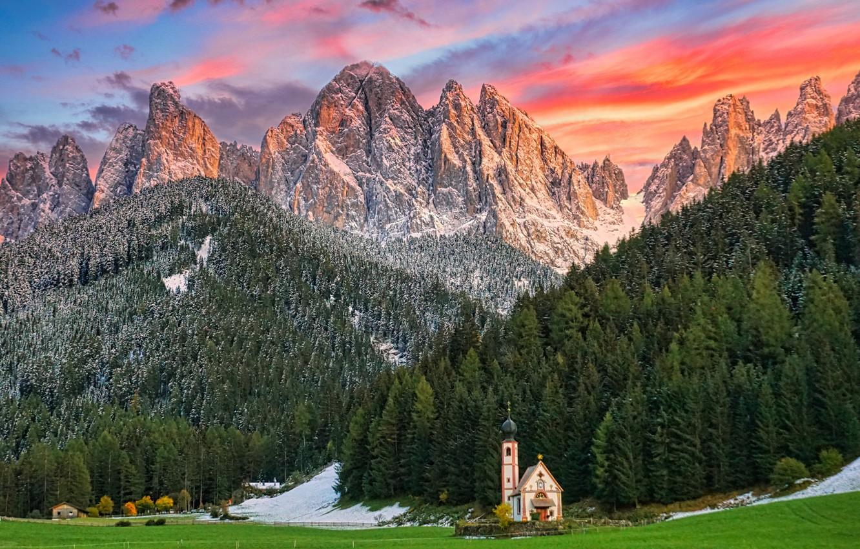 Фото обои пейзаж, закат, горы, природа, Италия, церковь, леса, Доломиты, Santa Maddalena, Санта Маддалена