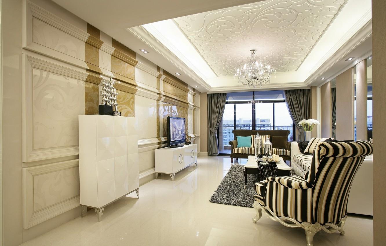 Фото обои диван, мебель, интерьер, окно, кресла, люстра, столик, гостиная, плазма
