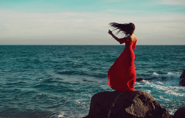 Картинки девушка спиной море