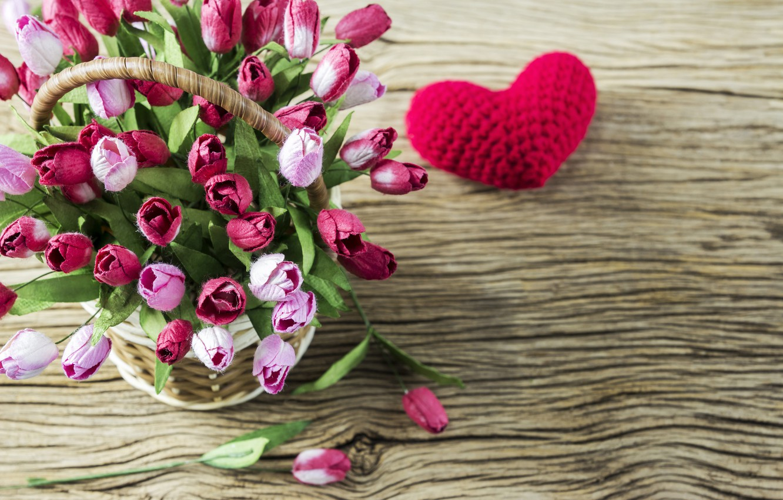Фото обои любовь, цветы, сердце, тюльпаны, love, розовые, корзинка, vintage, heart, wood, pink, flowers, beautiful, romantic, tulips