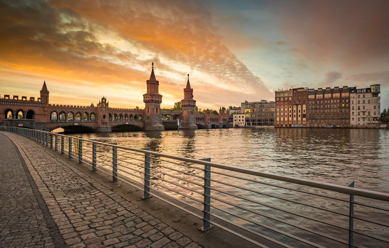 Фото обои мост, город, река, здания, Германия, башни, набережная, Берлин