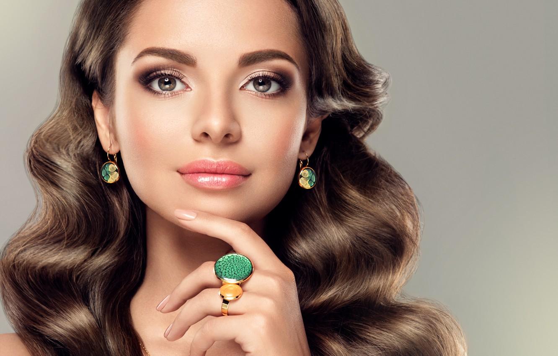 Фото обои девушка, украшения, лицо, волосы, рука, макияж, прическа, girl, jewelry