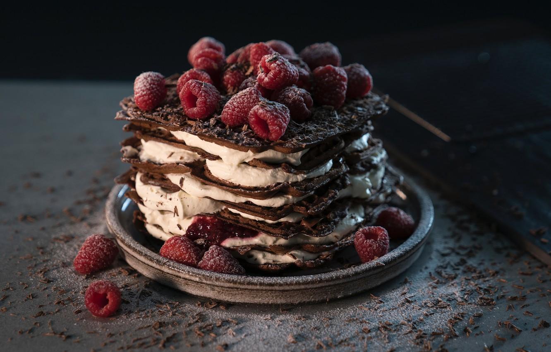 Фото обои малина, шоколад, крем, десерт, тортик
