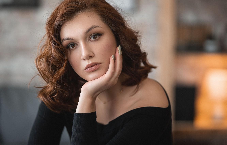 Фото обои девушка, портрет, макияж, шатенка, локоны, маникюр, Владимир Васильев
