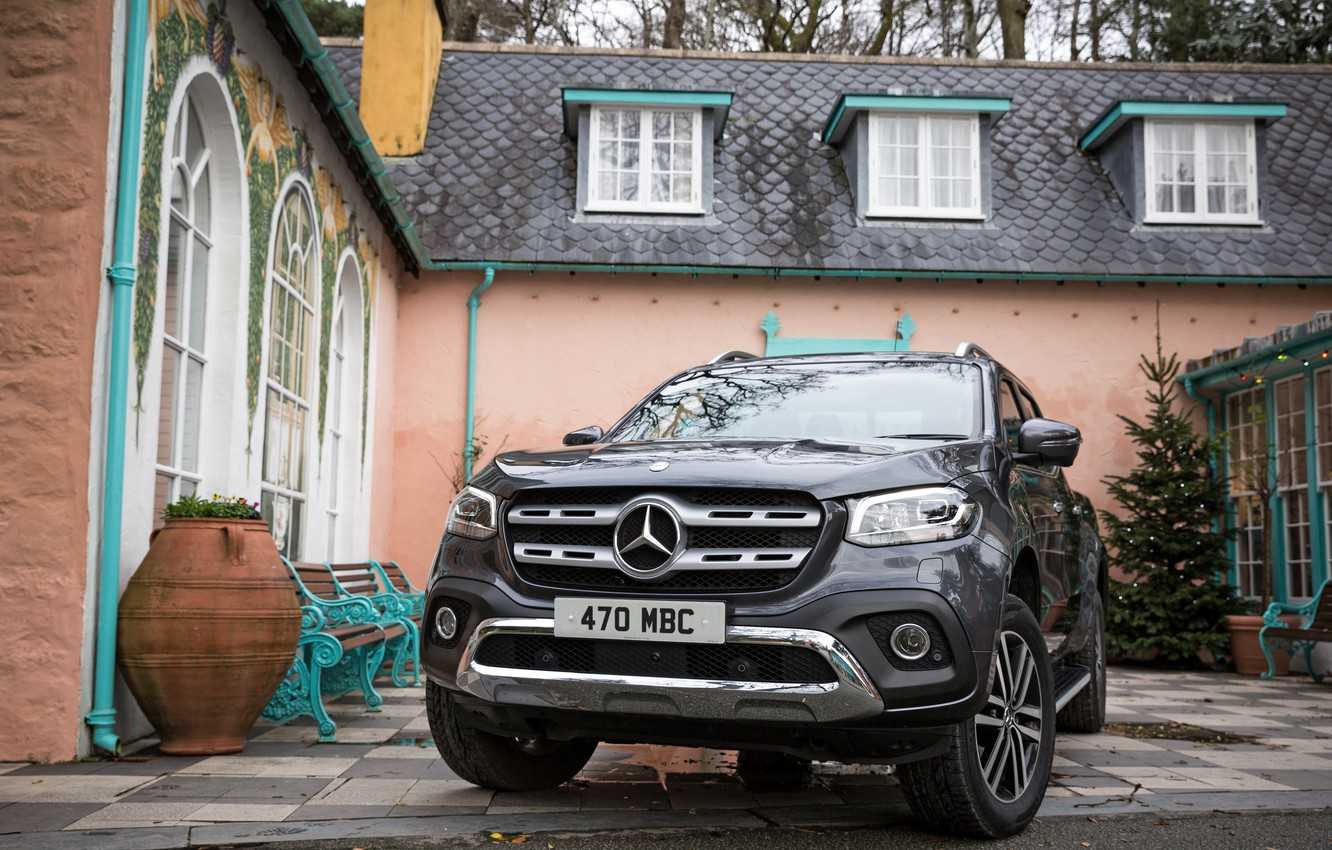 Фото обои Mercedes-Benz, пикап, 2017, у дома, X-Class, тёмно-серый, UK-version