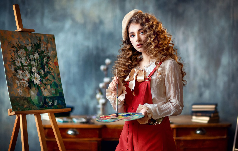 Фото обои взгляд, девушка, картина, палитра, кудри, кисть, художница, берет, мольберт, Анастасия Бармина