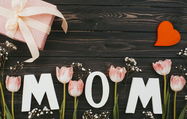 Фото обои цветы, букет, тюльпаны, love, розовые, happy, heart, wood, pink, flowers, tulips, spring, mom, mother's day