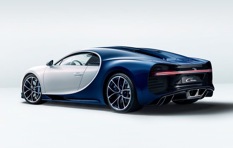 Фото обои bugatti, white, wheels, blue, background, ligth, chiron